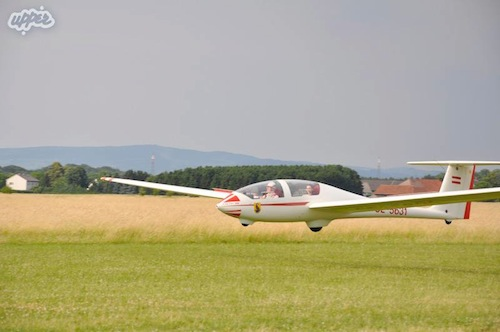 An Air Scout Glider about to touch ground