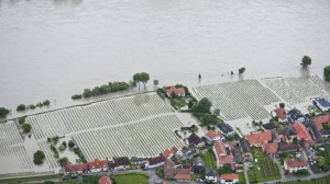 Lower Austria: the Danube floods villages and fields in June 2013