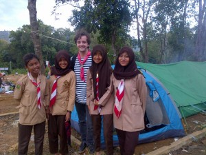 Leo, from SGdF in France, with members his 'temporary' Scout Group in Indonesia