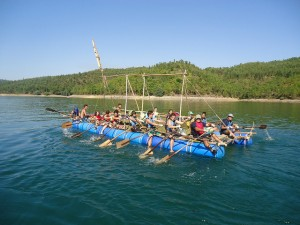 "The raft of Agrupamento 44, one of the larger ones built for the 2013 edition of ""Down River"""