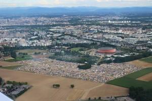 """Vue aérienne du lieu du rassemblement """"You're Up!"""" à Strasbourg, en France image (c) Aéroport de Starsbourg 2015"""
