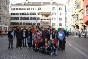 Photo souvenir devant le Goldenes Dachl à Innsbruck